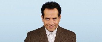 Tony Shalhoub, interprétant Adrian Monk dans la série Monk